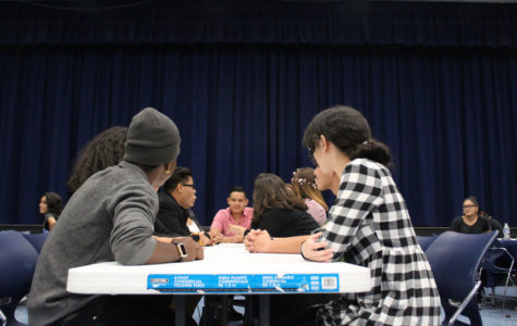 """Theater Department Puts Students to Work to Figure Out """"Whodunnit"""" at the Murder Mystery Dinner"""